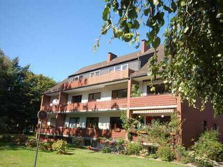 Gepflegte 2-Zimmer-DG-Wohnung mit Balkon und Einbauküche in Horn-Lehe