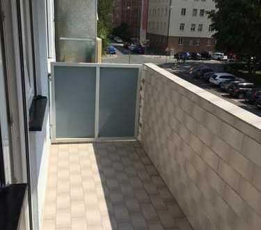 Erstbezug nach Sanierung mit Süd-Balkon: sonnige 3,5-Zimmer-Wohnung in Nbg St Johannis