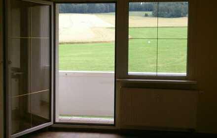 3-Raum-Wohnung mit Balkon in Hartmannsdorf!