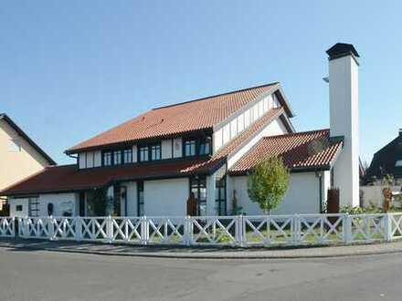 PROVISIONSFREI: 2-Familien-Villa in Bestlage von Münzenberg. VERKAUF DIREKT DURCH EIGENTÜMER!