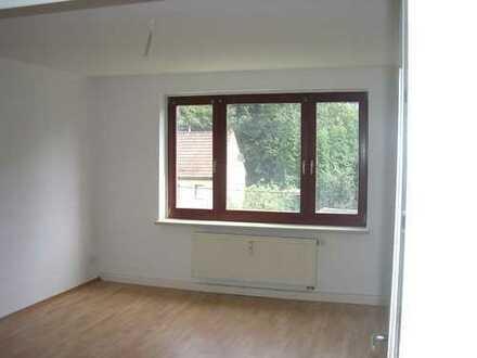 ABSOLUT RUHIGE WOHNLAGE: gemütliche 3-Zimmer-Wohnung im 1. Obergeschoß