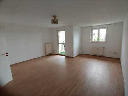 Schöne 1-Zimmer Wohnung mit Balkon und EBK in Dobel