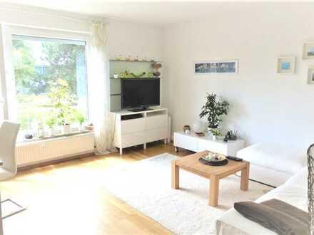 Neu renoviert: gepflegte, sonnige 2-Z.-W mit Balkon + EBK in ruhiger Wohnanlage im Gartenparadies