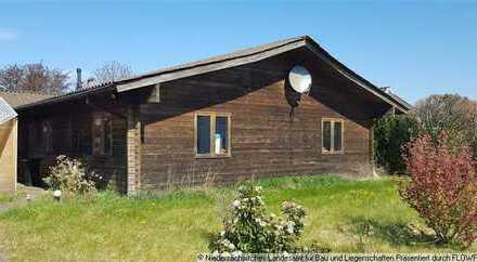 Schönes Wohngrundstück in Wremen (Wurster Nordseeküste) mit Holzhaus, das viel Zuwendung brauc