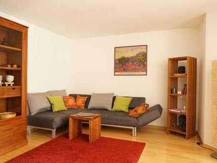 Wohnen auf Zeit - schöne möblierte drei Zimmer Wohnung in München, Laim