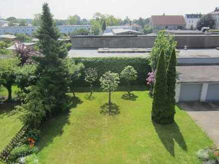 Sichere Rendite in ruhiger Uni-Nähe/Vermietete 2-Zimmer-Eigentumswohnung m. Balkon u. Garage