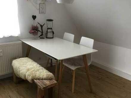 Modernisierte 3-Zimmer-DG-Wohnung mit Einbauküche in Kahl am Main
