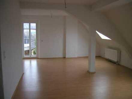 Exclusive Dachgeschosswohnung, hell, offene moderne bauweise, denkmalgeschützt in Ottweiler