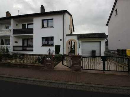 Maintal - Dörnigheim, geräumige 3 Zimmerwohnung in einem Zweifamilienhaus
