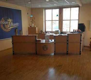 Große Büroeinheit im wachsenden Markt Hutthurm