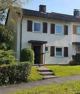 Eigenheim statt Miete - Reihenendhaus mit Erweiterungspotential im Grünen