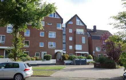 Drei-Zimmer Maisonette Wohnung mit Dachterrasse, Balkon und Tiefgaragenplatz