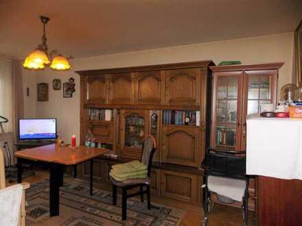 2-Zimmer-Whg. im 4.OG, ca. 45 m² Wfl.,, vermietet, sep.Küche, TGL-Bad - als Kapitalanlage