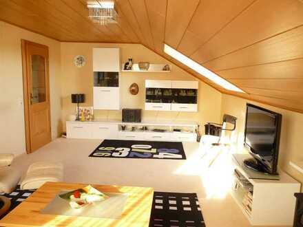 Bitte nur Email-Anfragen! Gemütliche, voll möblierte 3-Zimmer-DG-Wohnung in Alteglofsheim