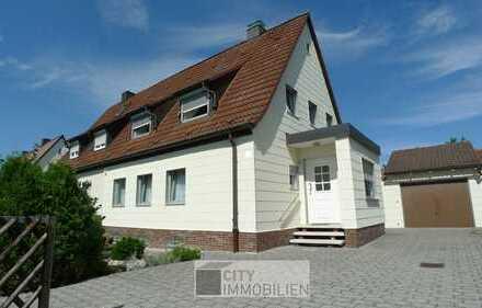 Familientraum - Doppelhaushälfte mit großem Grundstück in Buchenbühl