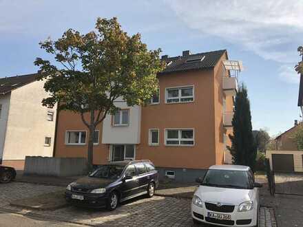 Exklusive, moderne und neuwertige 4-Zimmer-Wohnung mit 2 Balkonen und Einbauküche in Karlsruhe