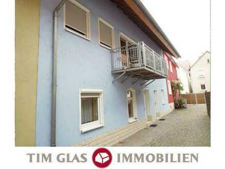 ++ Neuwertiges und gepflegtes Reihenmittelhaus (WEG) mit 5 ZKBBalkon in ruhiger Wohnlage! ++