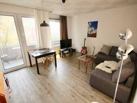 **sanierte 3,5 Zi Wohnung mit Balkon & EBK zentral zur Innenstadt- WG tauglich**