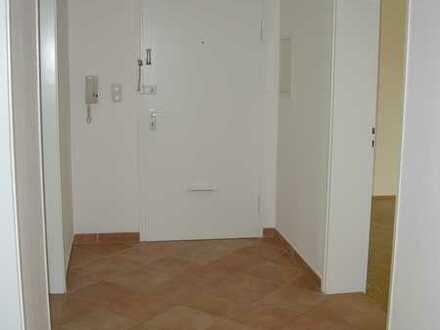 Stilvolle, modernisierte 3-Zimmer-Wohnung mit Balkon in Bogenhausen, München