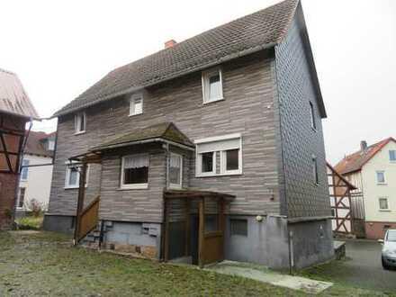 4 Seiten Hof mit 3 Scheunen ( Stallungsgebäuden ), Wohnhaus und großer Garage