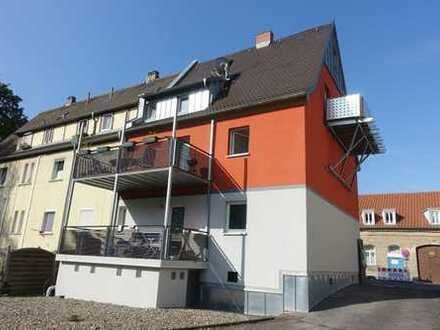3-Familien-Haus mit 11 Garagen und weiterem Baurecht für Gewerbe, Bamberg Nord
