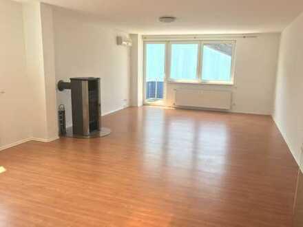 Helle und sehr schön geschnittene Wohnung in Neuberg zu vermieten