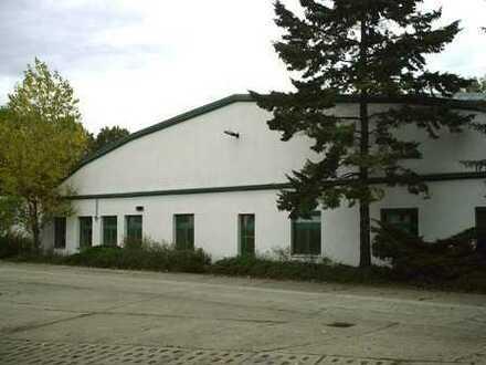 Lager- und Produktionshalle mit Büro