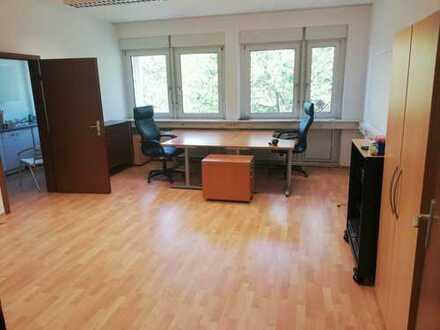 Helle Büroräume mitten in Leimen *Provisionsfrei*