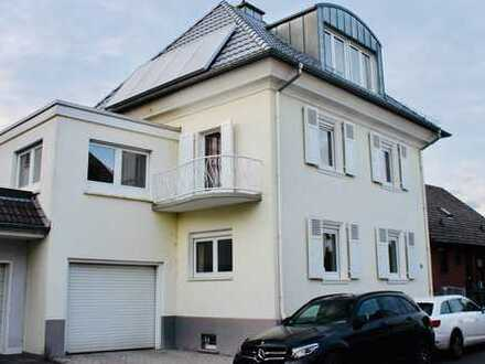 Schönes freistehendes Einfamilienhaus mit acht Zimmern in Groß-Karben
