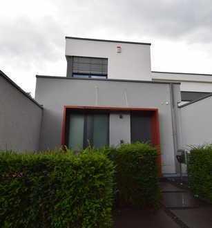 Sehr attraktives Einfamilienhaus mit Garage in Neuss-Selikum
