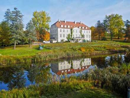 Weinliebhaber aufgepasst! Teilungsversteigerung Park Hotel Schloss Rattey