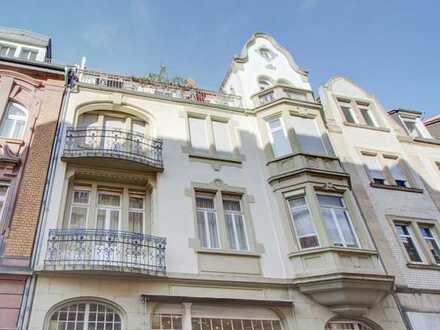 Helle Penthouse-Maisonette-Wohnung mit Dachterrasse