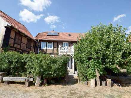 Fachwerktraum... Charmantes Bauernhaus mit schönem Garten und Teich in ruhiger Lage!
