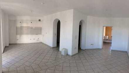*Provisionsfrei*- Ruhige,helle 2-Zimmer Wohnung, 69m²+Balkon, offene Küche, Abst.-K/G-WC, Badewanne