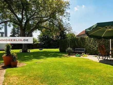IMMOBERLIN: Reichhaltiges Anwesen mit Einfamilienhaus, großem Garten & Zinshaus