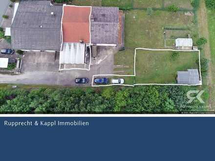 Großes und kernsarniertes Reihenmittelhaus mit ELW, 440qm Garten sowie Dachterrasse in Grafenwöhr