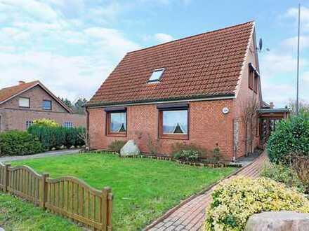 Charmantes Einfamilienhaus mit viel Potential und großem Garten.