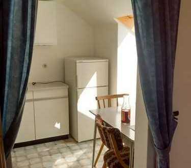 Schöne 2-Zimmer-Dachgeschosswohnung mit EBK in Mainburg