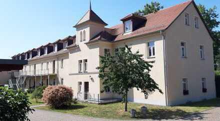 Schöne 2-Raum-Wohnung mit großer Terrasse in Radebeul am Weinberg