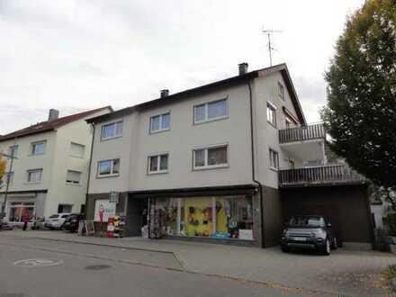 Gepflegte Wohnung mit vier Zimmern und Balkon in Hüttlingen