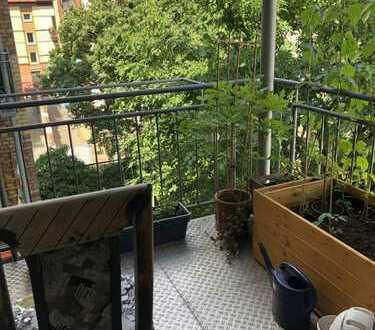 Helle 3ZKB mit 2 Balkonen (WG-geeignet) und Einbauküche