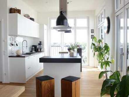Lichtdurchflutet! Penthouse-Wohnung mit 4 Zimmern im grünen Grafental!