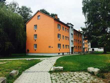 Erstbezug nach Sanierung mit Balkon: ansprechende 3-Zimmer-Wohnung in Waldkraiburg