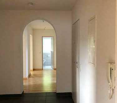 920 €, 104 m², 4,5 Room(s)