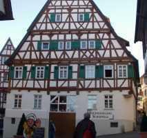 Besondere 2-Zimmer-Wohnung mit EBK und TG-Platz in Altstadt von Herrenberg