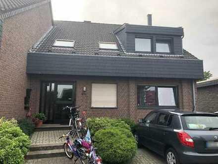 Gepflegte 4-Zimmer-Maisonette-Wohnung mit Balkon in zentraler Lage in Korschenbroich