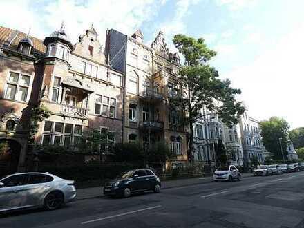 Luxuswohnung direkt am Stadtwald - Komplette Sanierung - Sofort Frei