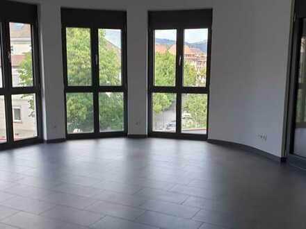 Neuwertige 4-Zimmer-Wohnung mit Balkon und EBK in Schopfheim