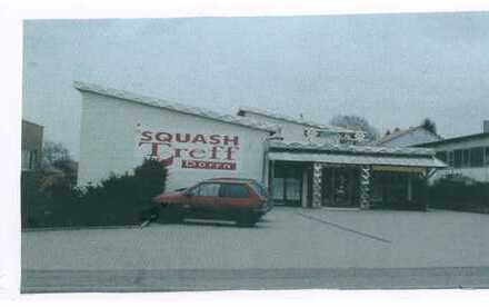Interessante Geschäftsimmobilie mit Squash-Courts, Gastronomie und 2 Wohnungen