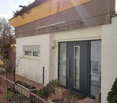 TOP Aussicht - Einfamilienterrassenhaus mit Einliegerwohnung in W E H R